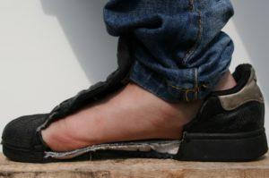 De veiligheidszool beschermt de voet, foto 7 van 8.
